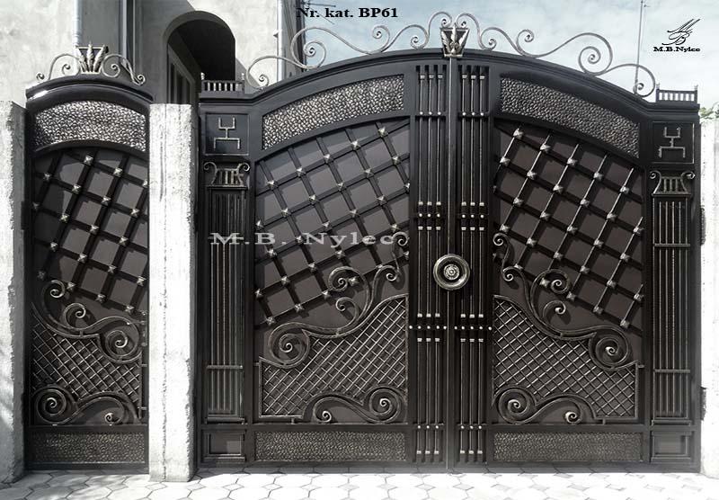 Elegancka pełna brama do rezydencji bp61