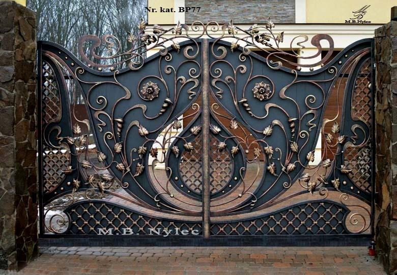 Brama do rezydencji częściowo pełna bp77